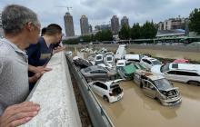 فيضانات في الصين (الفرنسية)